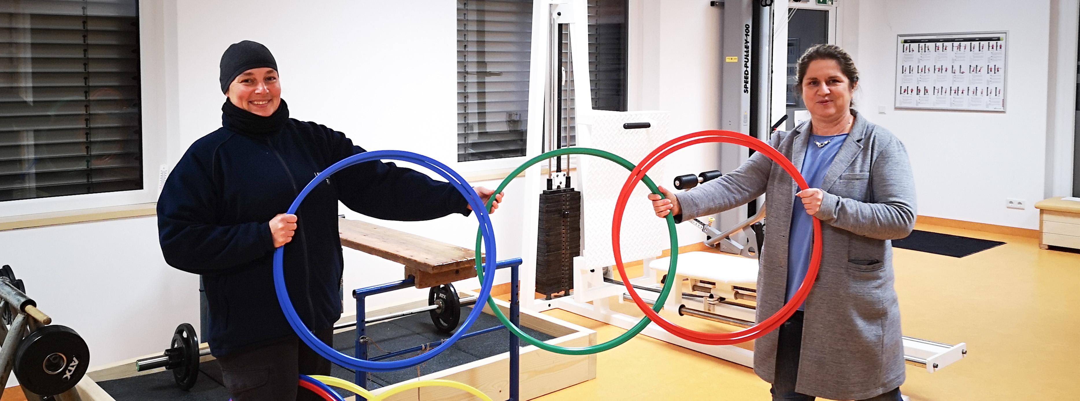 Übergabe der Gymnastikreifen